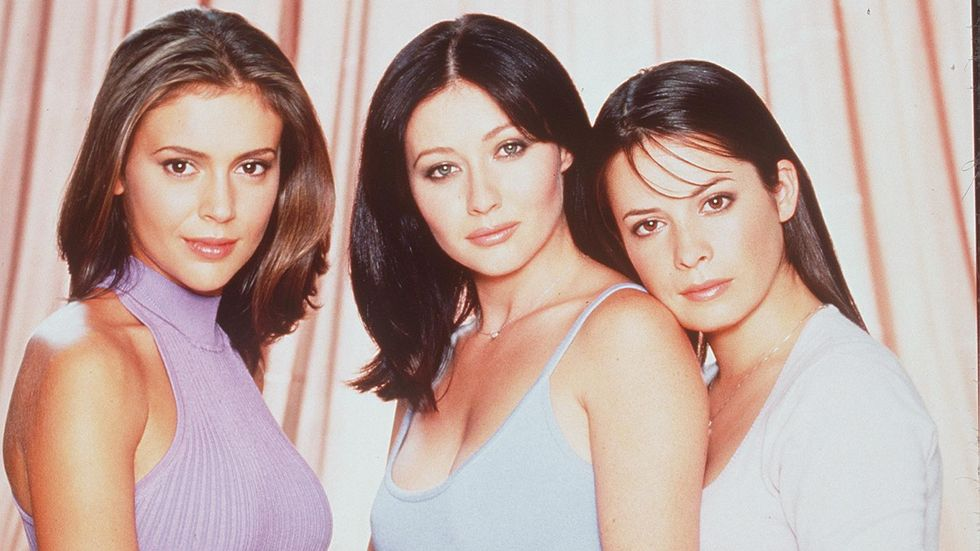 Holly Marie Combs Puts A Hex On Charmed Reboot Newnownext