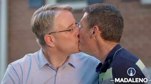 gay kissing and touching