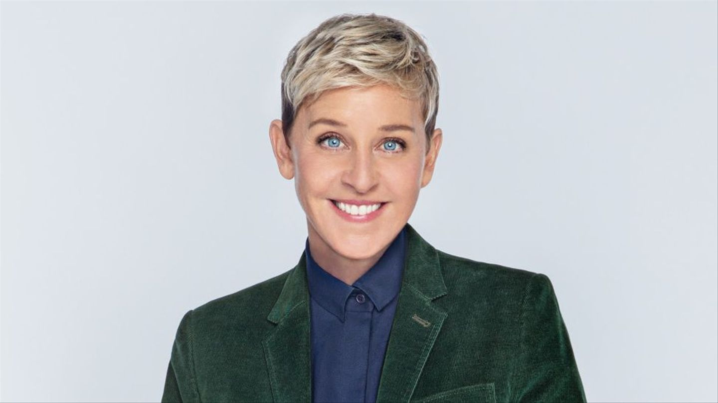 """""""What Time of Day Is Good for a Lesbian?"""": First Look at Ellen's Comedy  Comeback."""