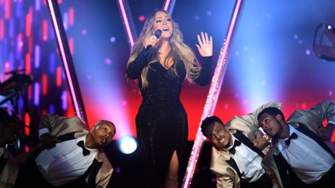 "Icon"" Mariah Carey Wins Diva Showdown at 2019 Billboard"