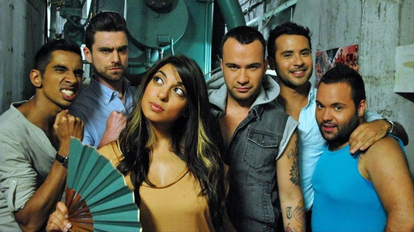 """Watch the """"1 Girl 5 Gays"""" Cast Reunite for a Round of 20 Questions"""