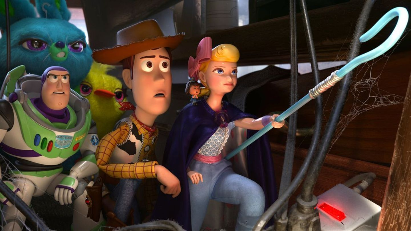 """Christian Moms Outraged by """"Dangerous"""" Lesbians in """"Toy Story 4"""""""