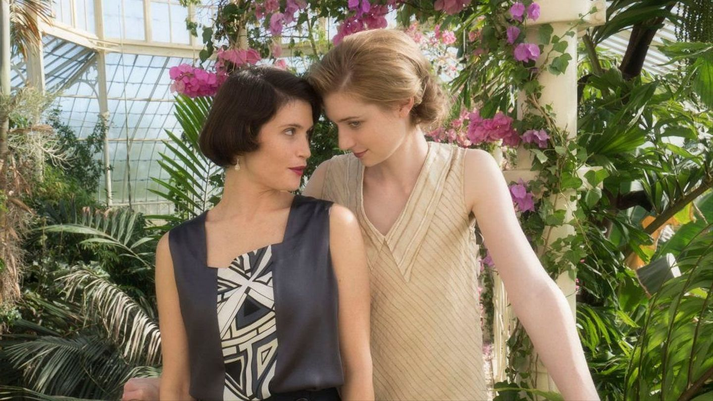 """""""Vita and Virginia"""" Trailer Teases Virginia Woolf's Epic (and Totally True) Lesbian Romance"""