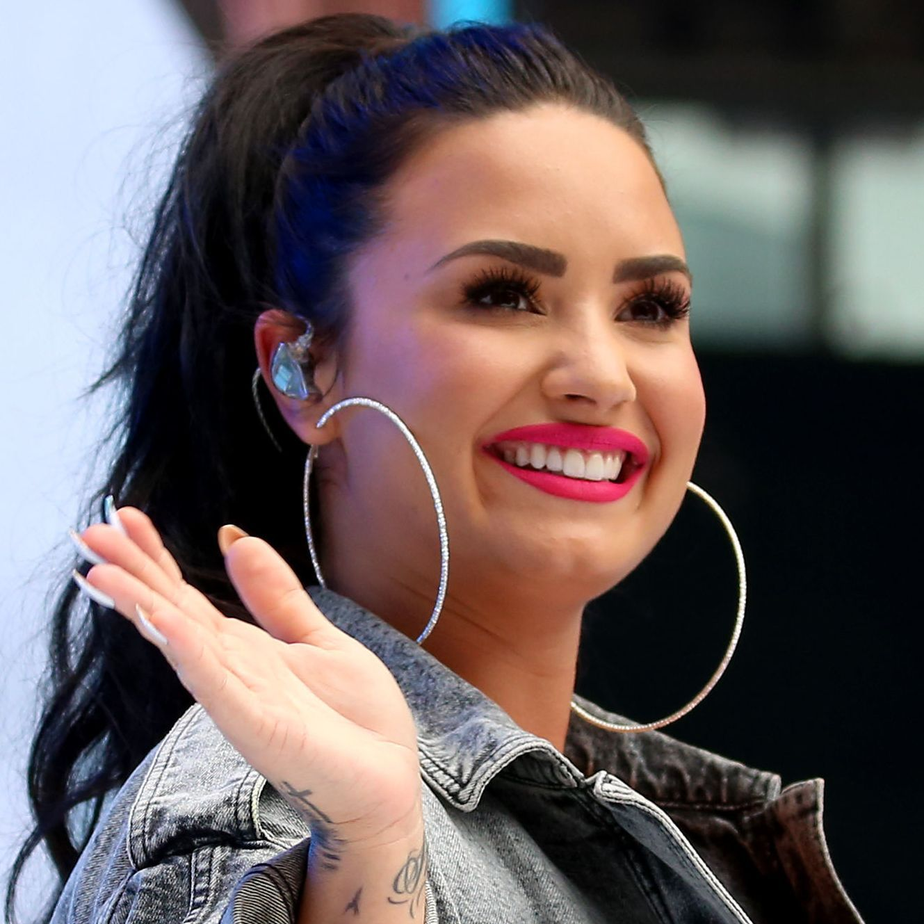 Who is demi lovato currently dating 2020 calendar