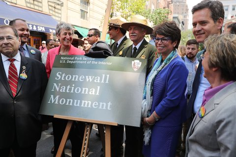 NEW YORK, NY - JUNE 27:  Valerie Jarrett, Senior Advisor to President Barack Obama (3rd R) stands with Congressman Jerrold Nadler (L) as they unveil a plaque at a dedication ceremony officially designating the Stonewall Inn as a national monument to gay rights on June 27, 2016 in New York City. Elected and federal officials joined members of the LGBT community at the dedication ceremony of the historic bar that has played a pivotal role in the battle for the rights of people in the gay community.Director of the National Park Service Jonathan Jarvis, Mayor Bill de Blasio and others were all on hand for the afternoon ceremony.  (Photo by Spencer Platt/Getty Images)