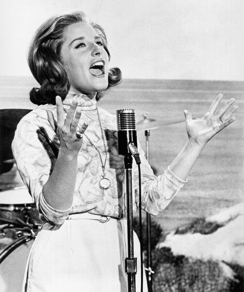 UNSPECIFIED - CIRCA 1970: Photo of Lesley Gore Photo by Michael Ochs Archives/Getty Images