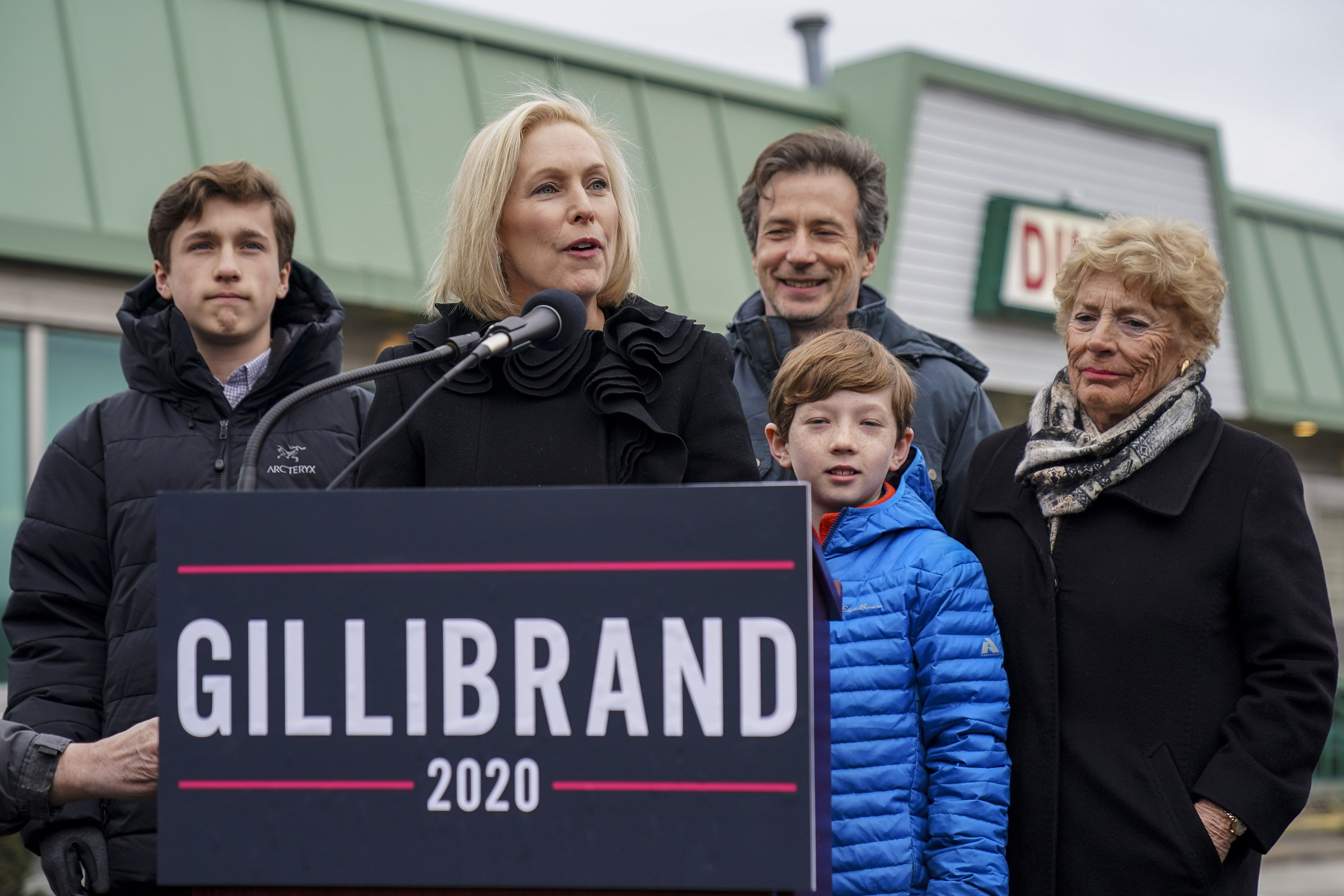 Kirsten Gillibrand Announces White House Run On Stephen Colbert's 'Late Show'