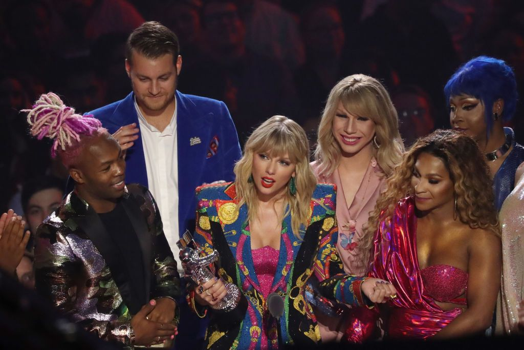 NEWARK NEW JERSEY- AUGUST 26 Taylor Swift receives award onstage during the 2019 MTV Video Music Awards at Prudential Center