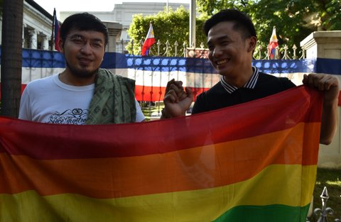 gay couple Philippines