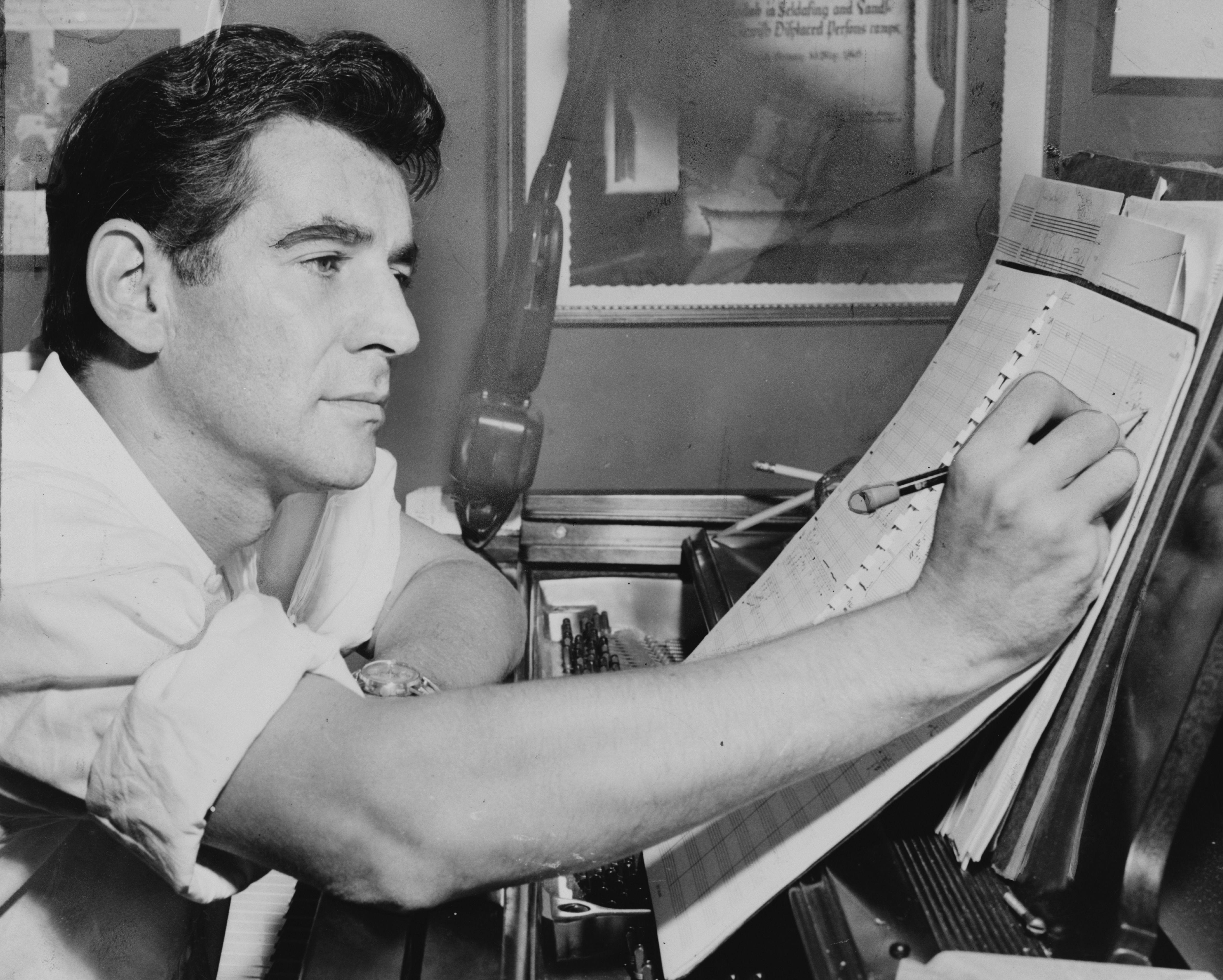 Netflix Lands Bradley Cooper's Leonard Bernstein Biopic
