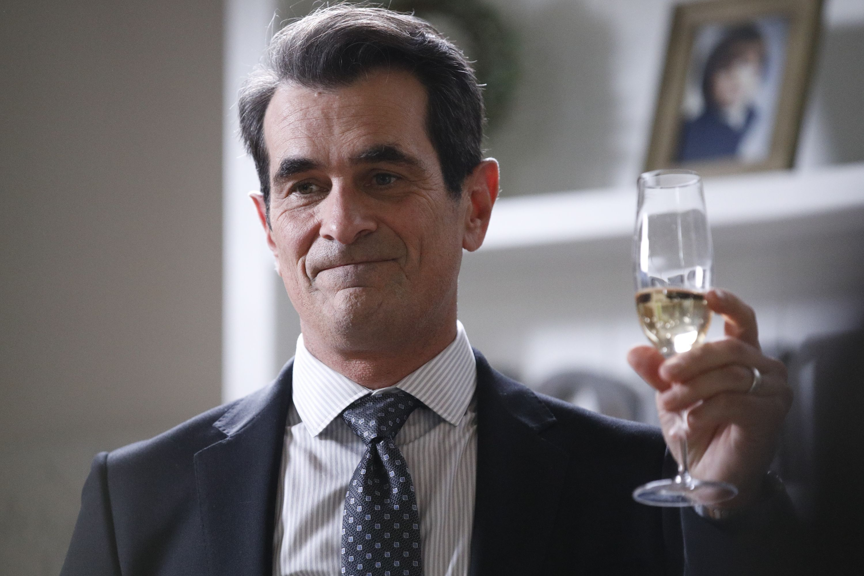 After 11 Years, 'Modern Family' Ends: See Fans Emotional Reactions