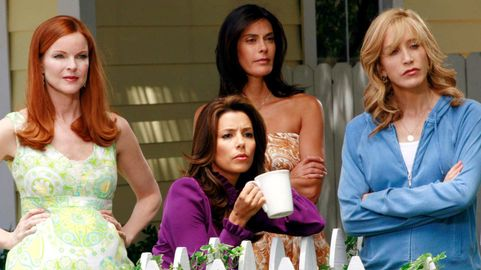 """Felicity Huffman Is Pushing For A """"Desperate Housewives"""" Reunion ..."""