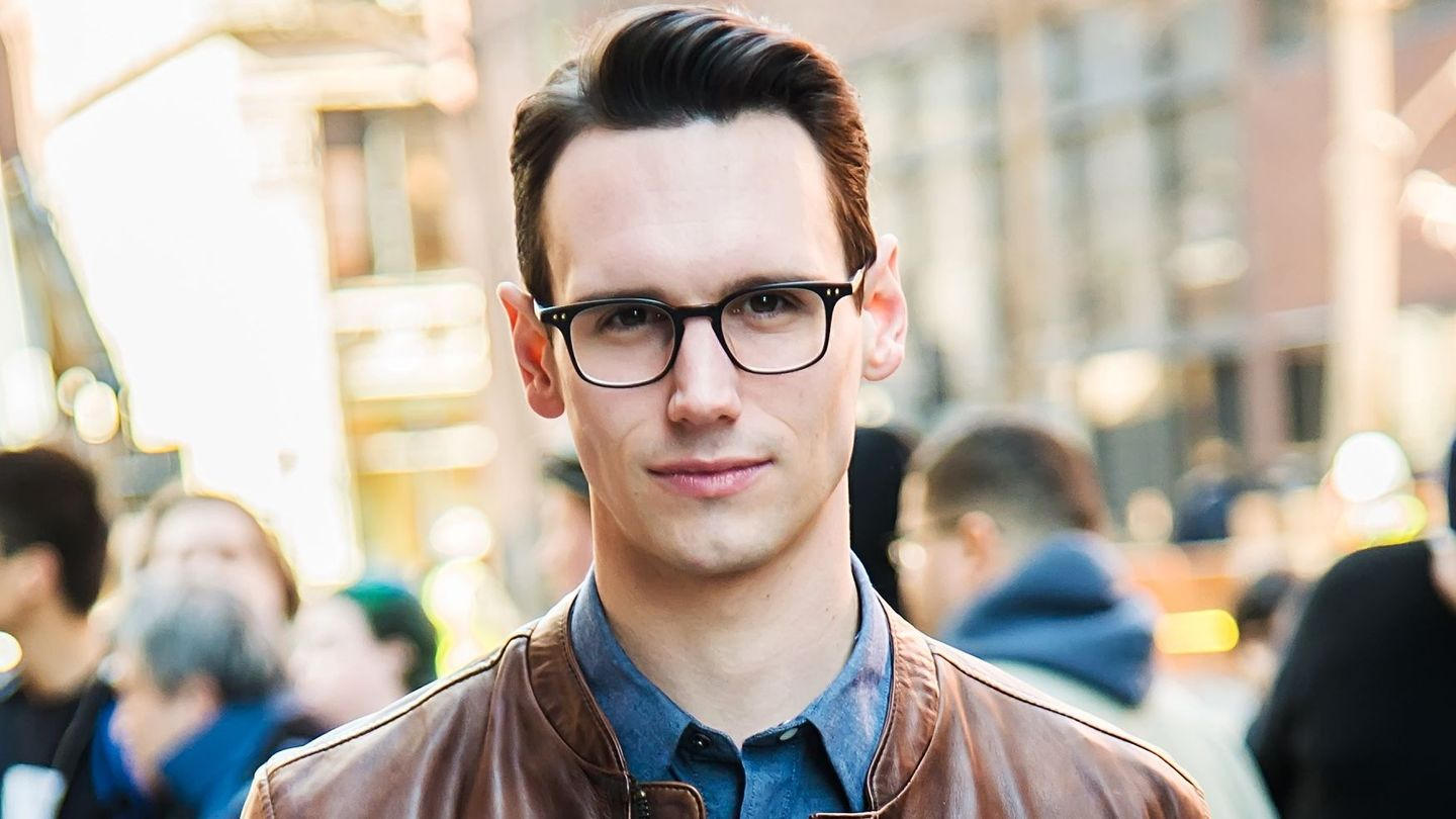 """Adrian First Dates Instagram Actor Porno gotham"""" star cory michael smith comes out as queer 